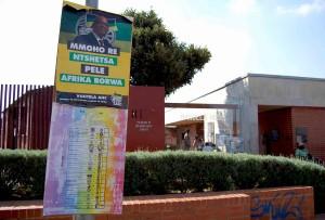 Soweto. Zuma in un manifesto elettorale